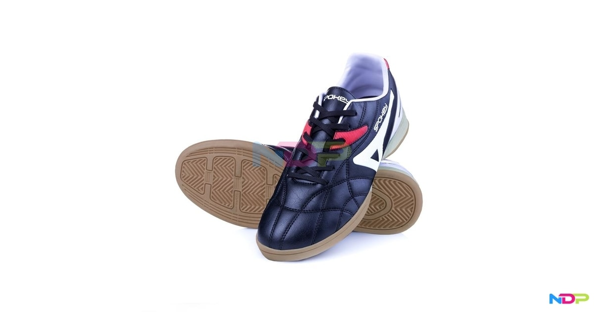 HALL JR 2 Juniorská halová obuv černo-bílá vel.36  c3eeee2507
